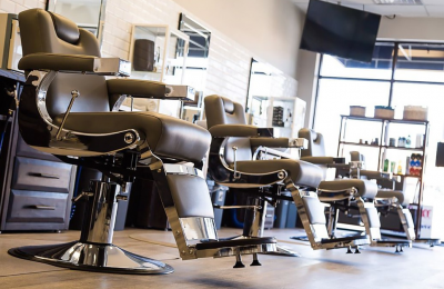 TOP 8 TIPS FOR BUYING THE BEST BARBER CHAIR FOR YOU